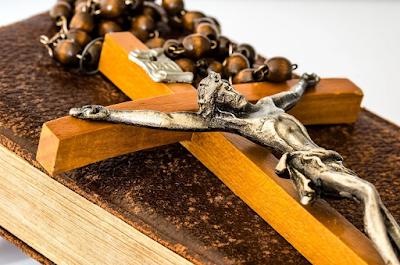Kumpulan Doa Novena Roh Kudus dan Novena Tiga Salam Maria