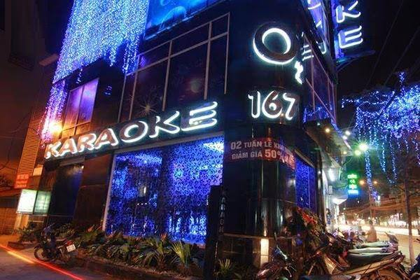 Hà Nội đóng cửa quán bar, karaoke