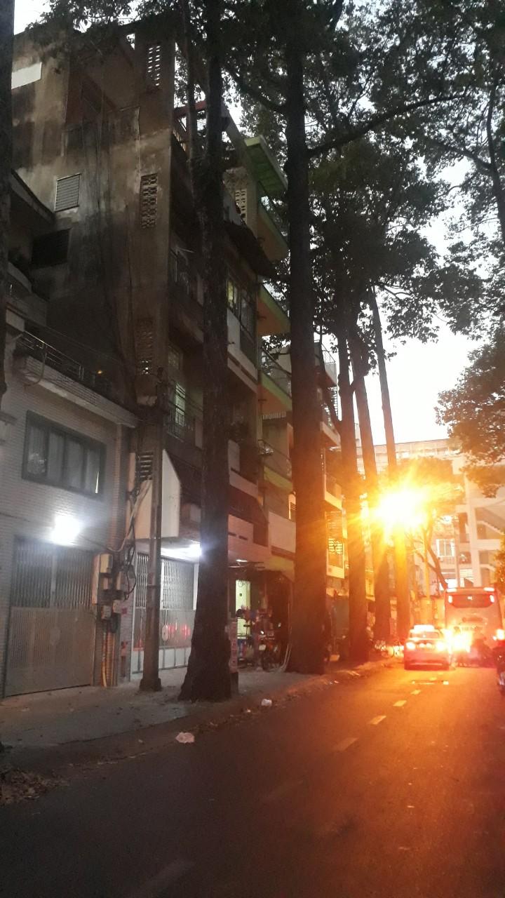 Bán nhà Mặt tiền đường Lương Nhữ Học phường 12 Quận 5. Dt 4x16m