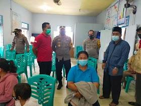 Kapolres Muaro Jambi AKBP Yuyan Priatmaja Tinjau pelaksanaan Vaksinasi Covid 19 Warga desa Mendalo Darat