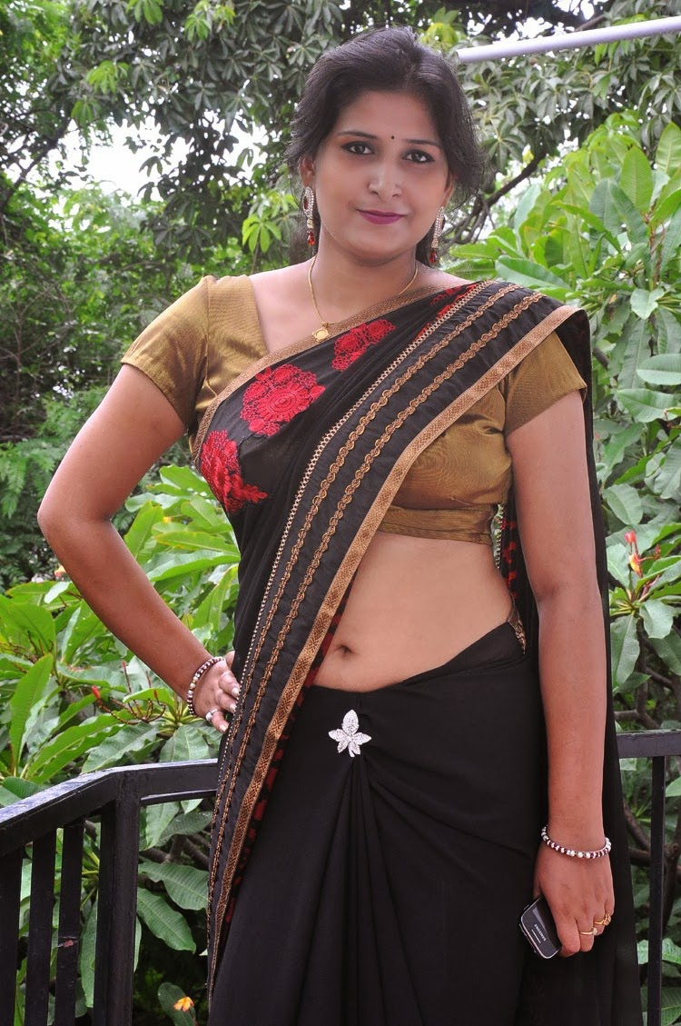South Aunty Actress Kushboo Hot Navel Show Gallery In -8276
