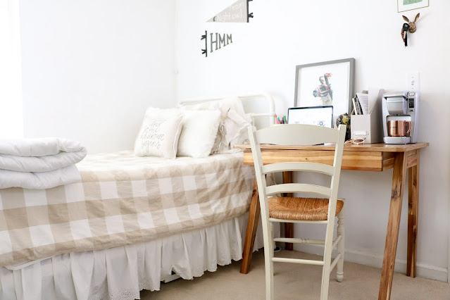 8 Tips for Decorating Your Dorm Room
