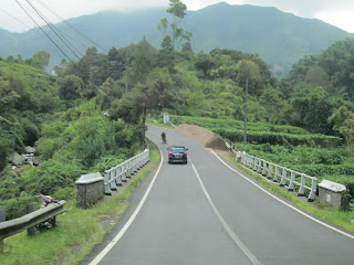 Pemandangan jalan Dieng