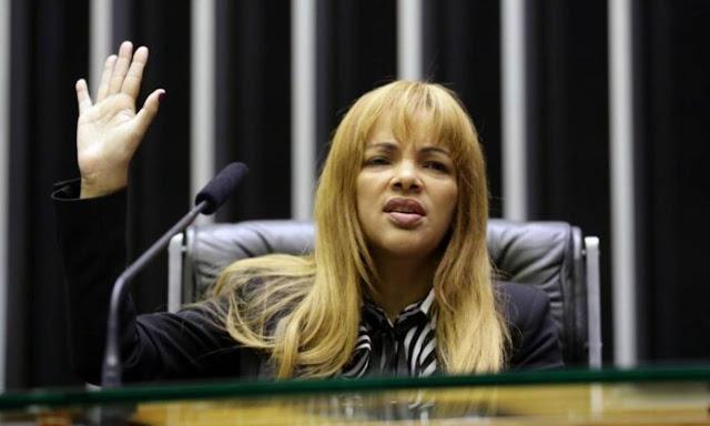 Flordelis quer que detetive de programa de televisão dos EUA investigue seu caso