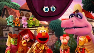 Elmo the Musical Prince Elmo the Musical, two royal mice guards, The Friendly Froggies Five, velvet. Sesame Street Episode 4326 Great Vibrations season 43