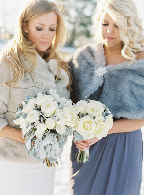 Jenna and her maid of honor with their wintery bouquets | Karen Hill Photography
