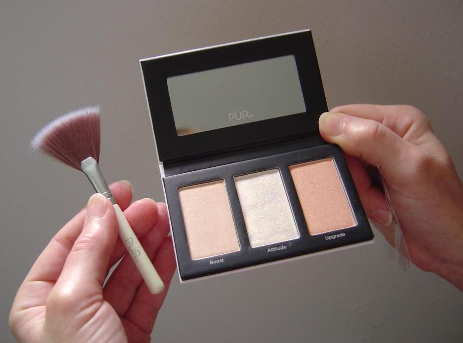 PUR Cosmetics Elevation Mini Highlighter Palette Opened