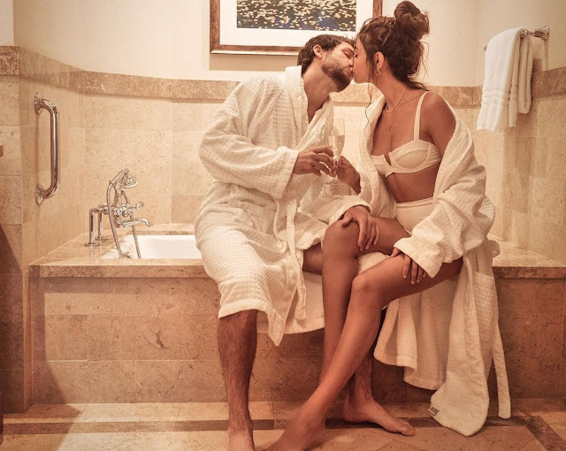 Alanna Panday shares Intimate Lip-lock moment in Bathroom with Boyfriend Ivor- newsdezire