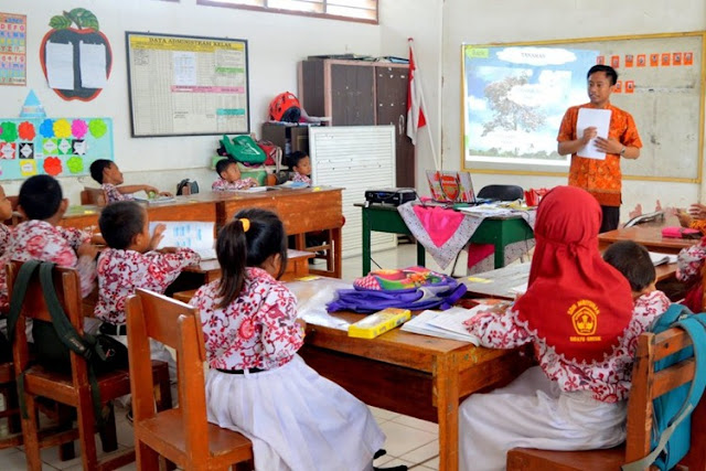Seorang Guru Profesional Harus Mampu Menyenangkan Muridnya