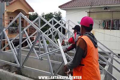 Langkah-langkah memasang plafon kayu