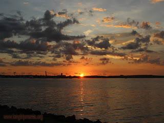 View Matahari Tenggelam dari Pulau Serangan Bali