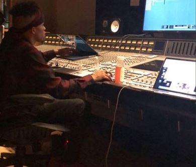 tekno in drakes studio