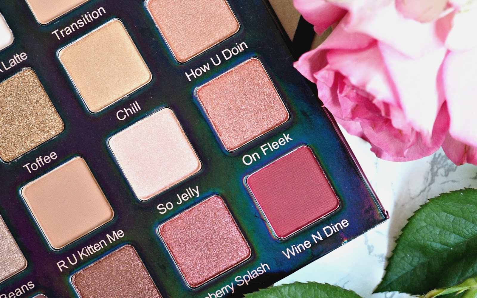 Violet Voss Holy Grail palette Review and Swatches pigmentation