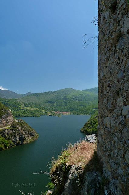 Torreón de Villamorei - Rioseco - Asturias