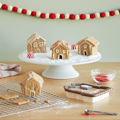 kit for making tiny gingerbread houses