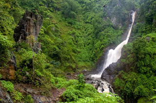 Indahnya Tempat Wisata Air Terjun Pletuk