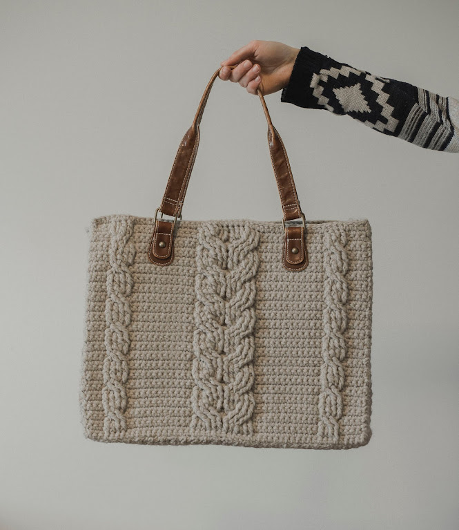Beautiful Crochet Cable Projects: Cabled Bag