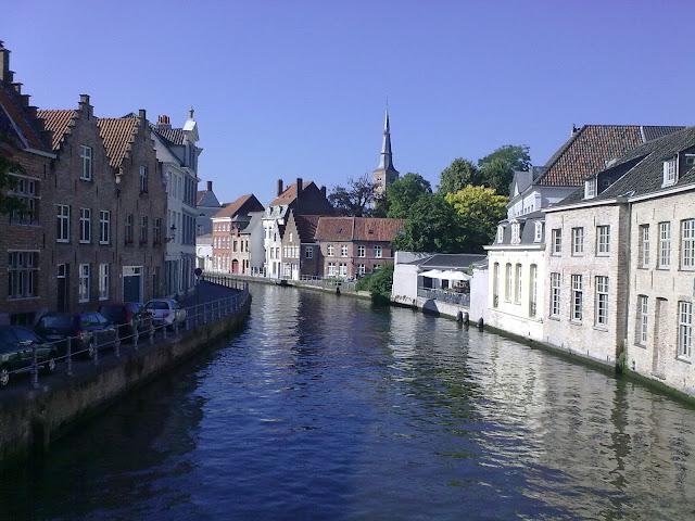 Um dos canais de Bruges Bélgica
