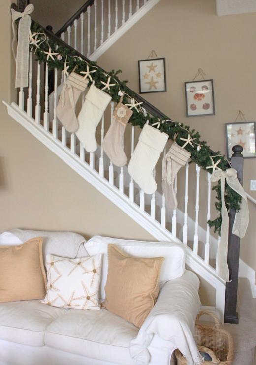 Starfish Chrismas Garland Staircase