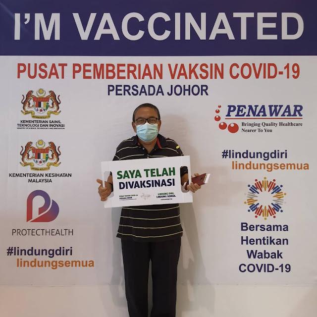 Alhamdullillah !! Mak & Ayah Selesai Vaksin AZ Dos 1