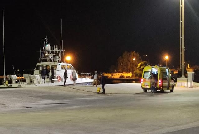 Παξοί: Διακομιδή με σκάφος στην Πλαταριά 60χρονου που έκοψε τα δάχτυλά του με μηχάνημα