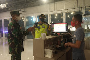 Tekan Penyebaran Covid-19, Tim Gabungan TNI-Polri Gelar Operasi Yustisi di Malam Hari