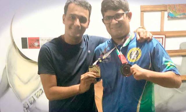 Paratleta de Belford Roxo ganha prata em campeonato de Parajiu Jistsu nos Emirados Árabes