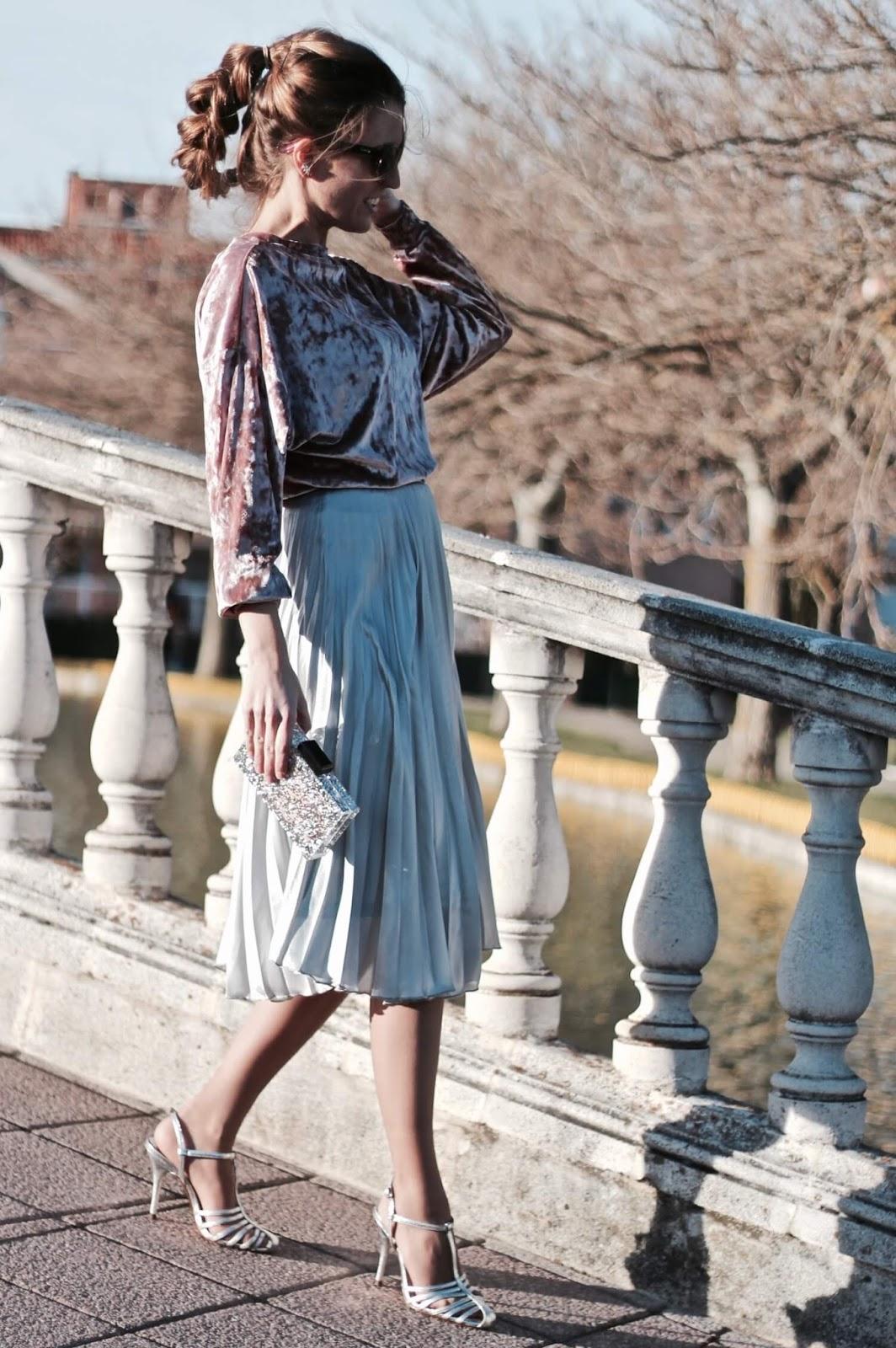 como llevar falda midi plisada