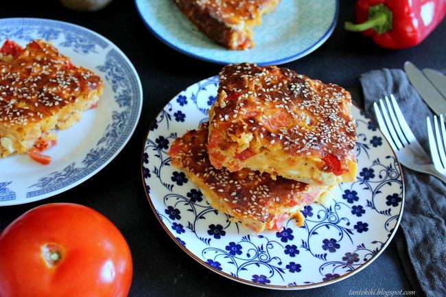 Ντοματοτυρόπιτα με πιπεριές, χωρίς φύλλο