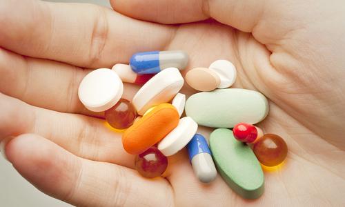 suplementos y comprimidos de ácido hialurónico