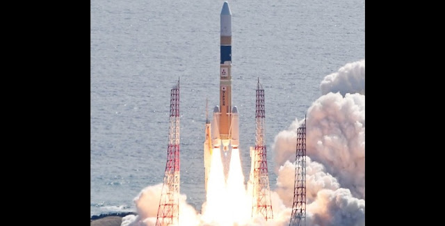 "An H-2A rocket carrying the ""Radar 5"" intelligence satellite lifts off from Tanegashima Space Center in the town of Minamitane, Kagoshima Prefecture, on March 17, 2017. (Mainichi)"