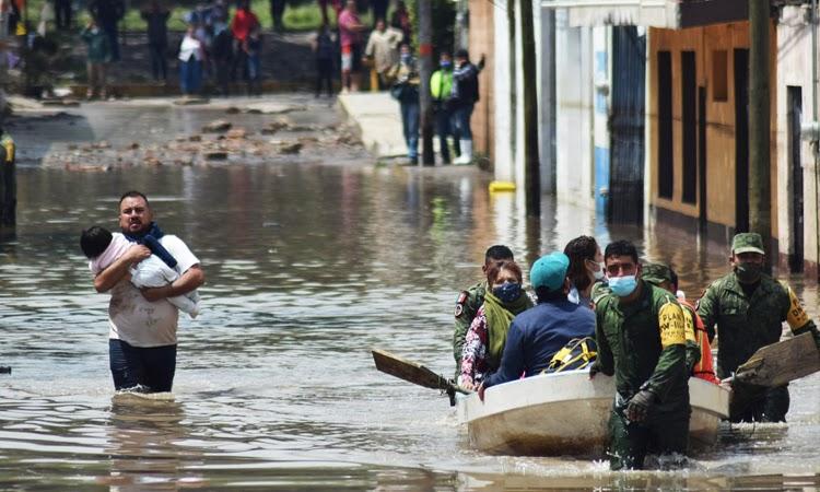 Fortes chuvas inundam hospital no México e causam pelo menos 16 mortes