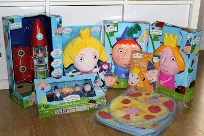 my mummy spam, mymummyspam, ben and holly, ben and hollys little kingdom, ben & holly, ben & hollys little kingdom, toys, childrens toys, toddler toys, playing, games, play, fun, children, kid, child, DVD, rocket, elf rocket, backpack, figures,