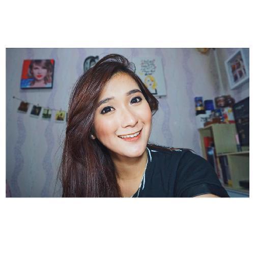 Fakta Christina Colondam Harus Anda Ketahui [Artis Indonesia Hot]