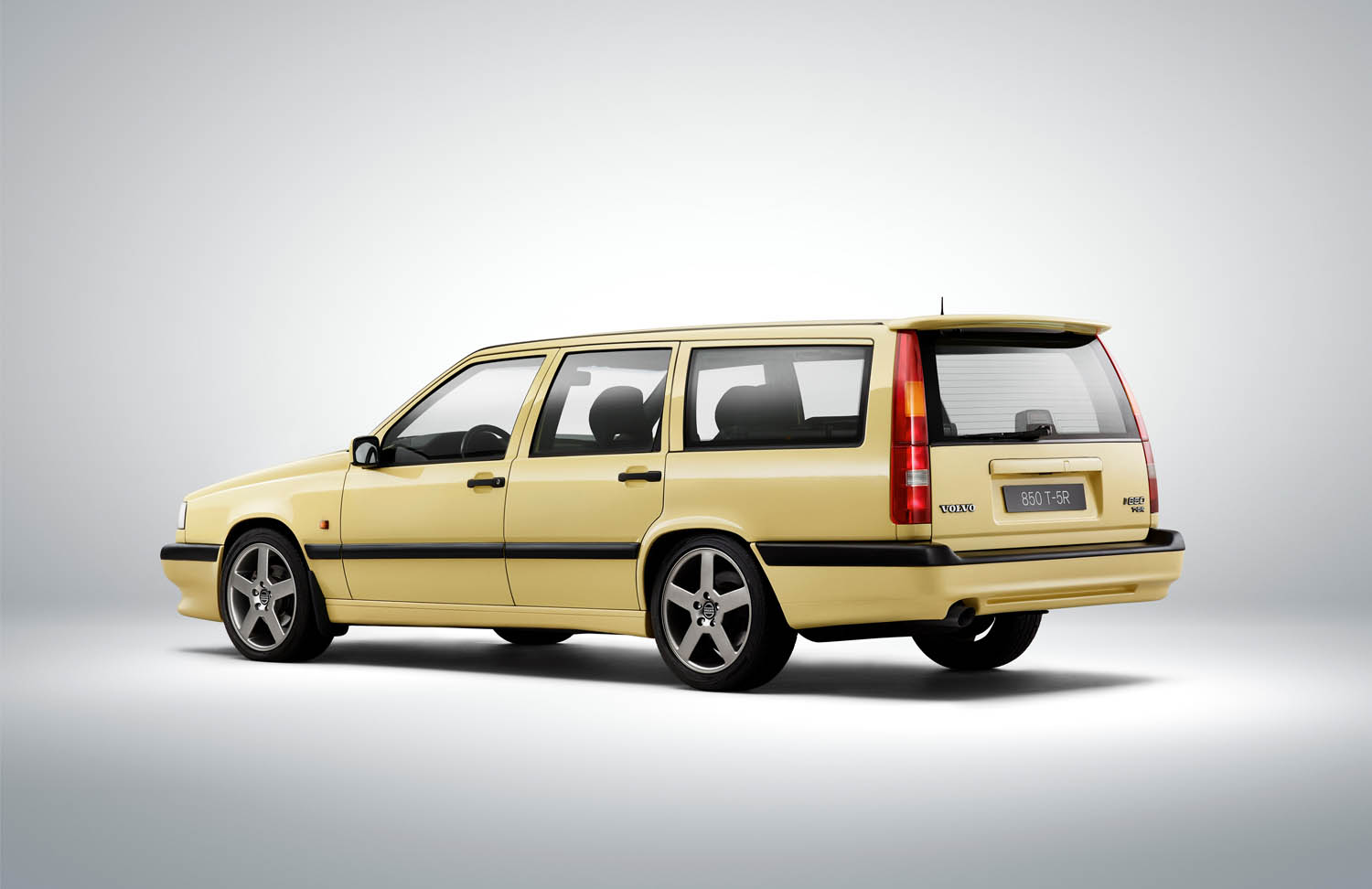 Happy 25th Birthday Volvo 850