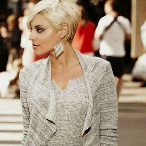 Stylish Blonde Pixie Haircut Powrót Najbardziej Uroczej Z Krótkich