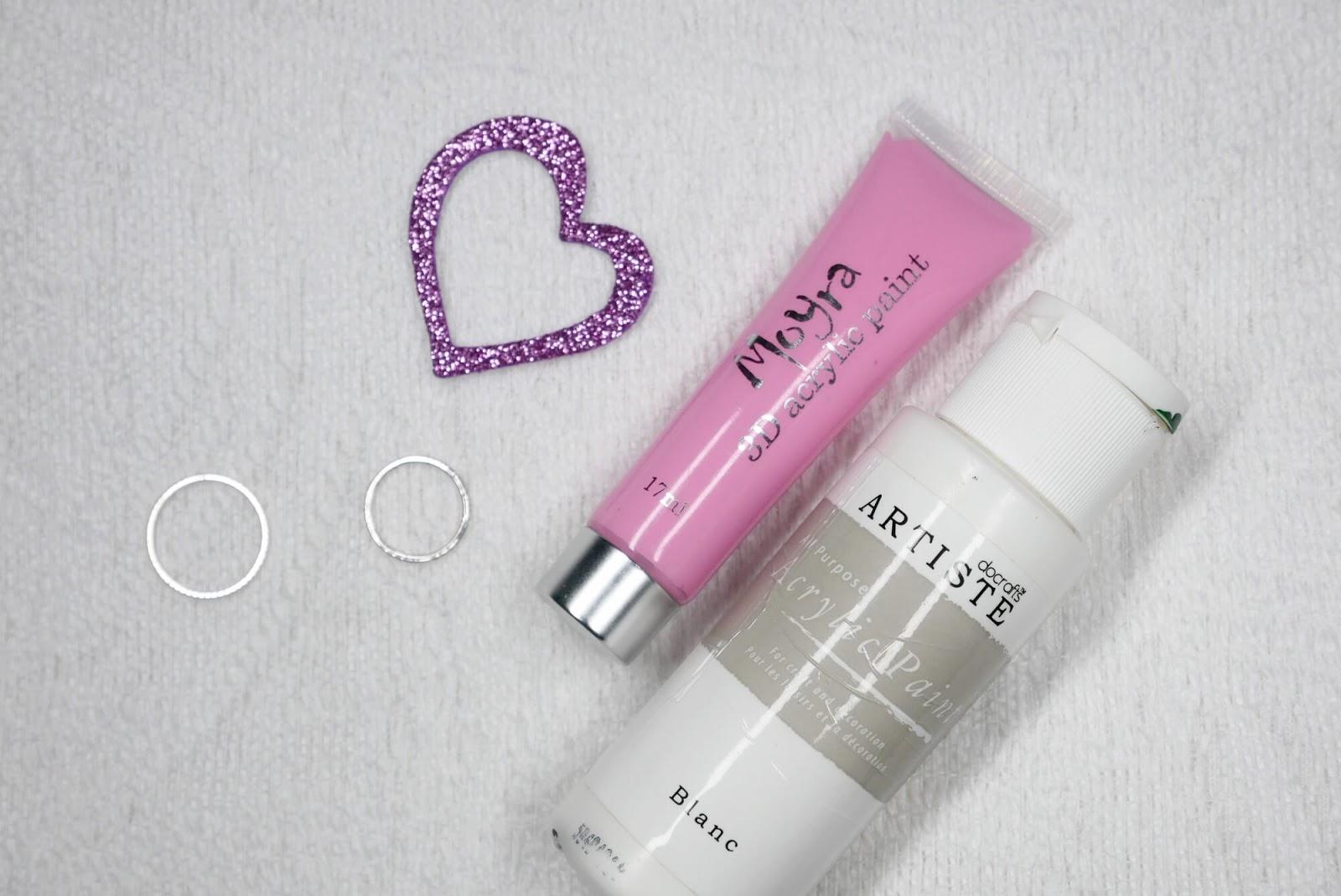 różowa i biała farbka
