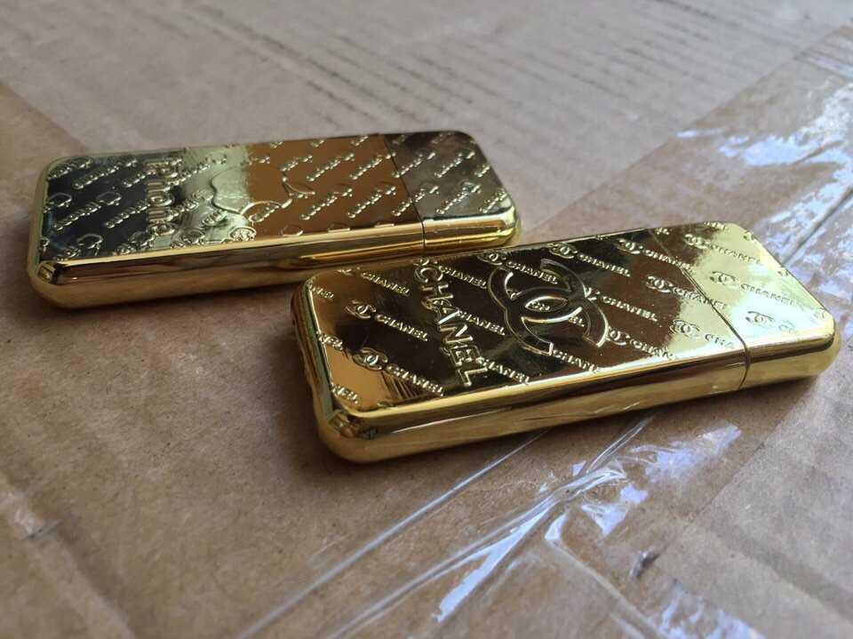Bật lửa hộp quẹt Chanel iPhone vàng cực sang