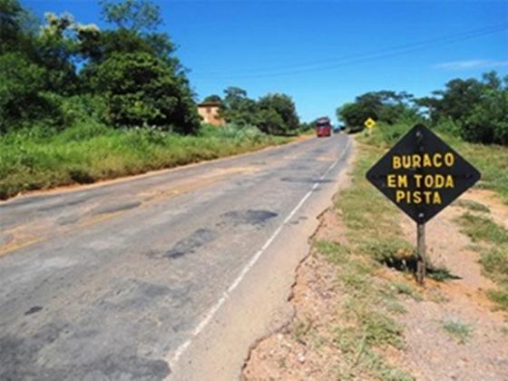 Moradores da localidade da Boa Vista, em Itapicuru, pedem restauração da BR-349