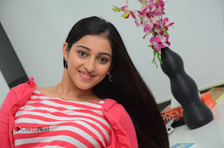 Telugu Actress Mouryani Latest Pos in Blue Denim Jeans  0233.JPG