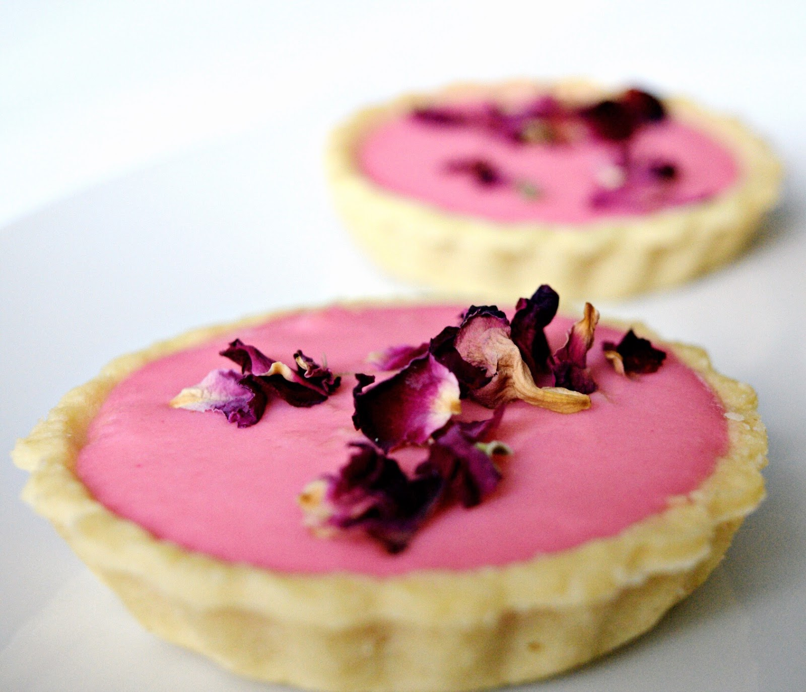 london lifestyle blog rose and marshmallow tart recipe