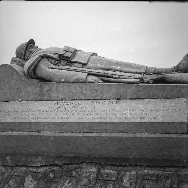 Monument Soldat du Droit - Andre Thomé - Aufnahme aus dem Jahr 1940