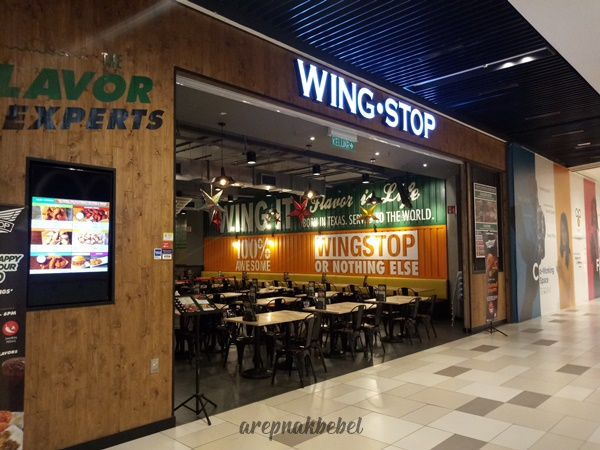 Makan Ayam goreng di Wingstop MyTown KL