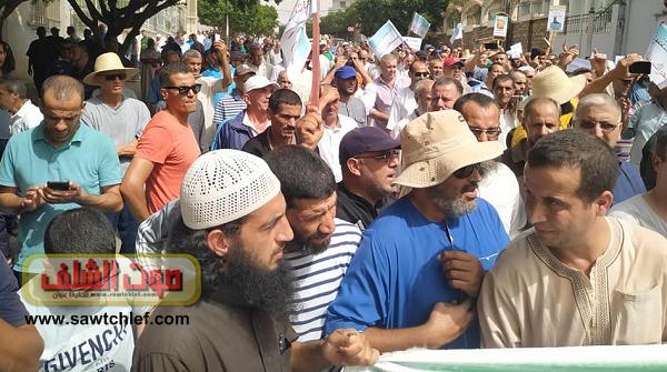 """الحراك متواصل في الشلف للجمعة الـ30:""""مناش حابسين حتى تروحوا يا لعصابة"""""""