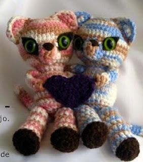 http://es.scribd.com/doc/48753323/Gemini-Kittens