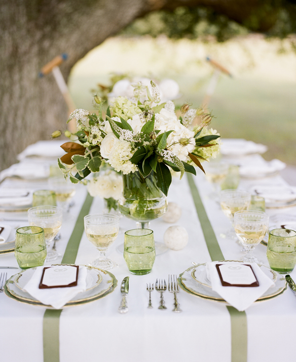 Matrimonio In Natura : Fru lycklig bröllop i vitt och grönt