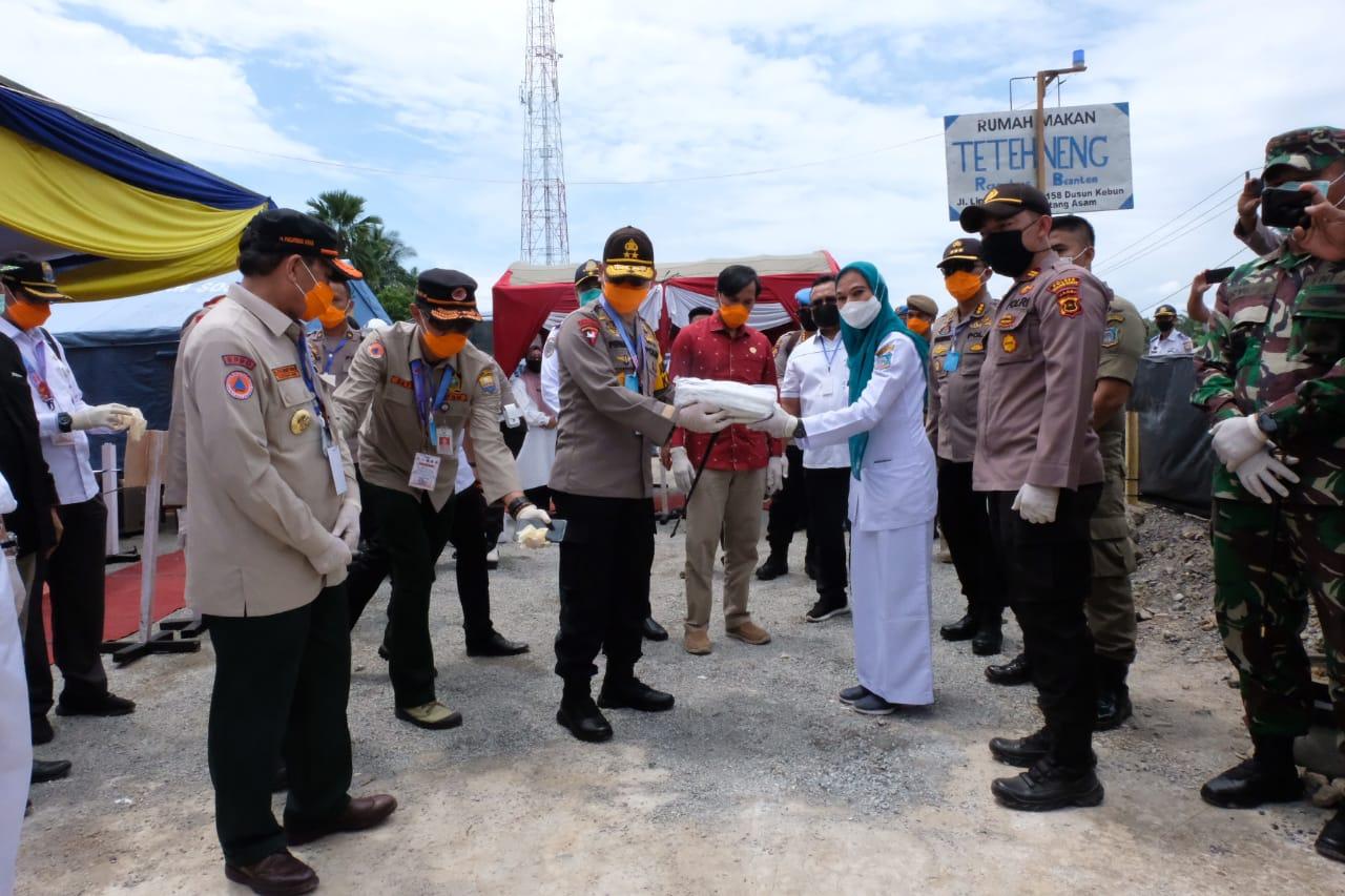 Kapolda Jambi Bersama Gubernur Cek Posko Terpadu Dalam Rangka Untuk Cegah Penyebaran Wabah Virus Corona