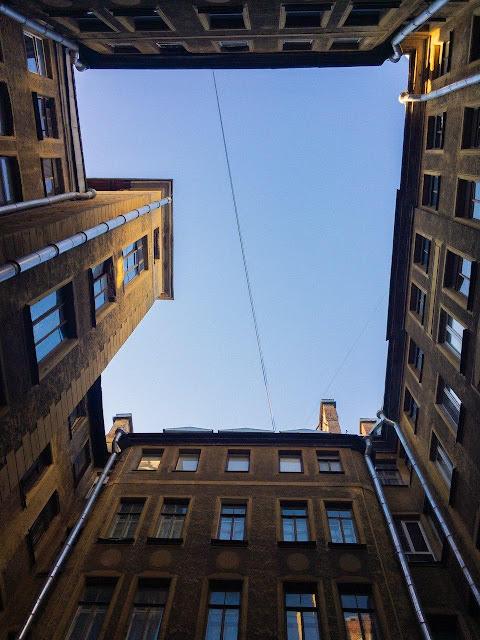 Питер Санкт-Петербург СПб двор колодец дворы улицы небо городское