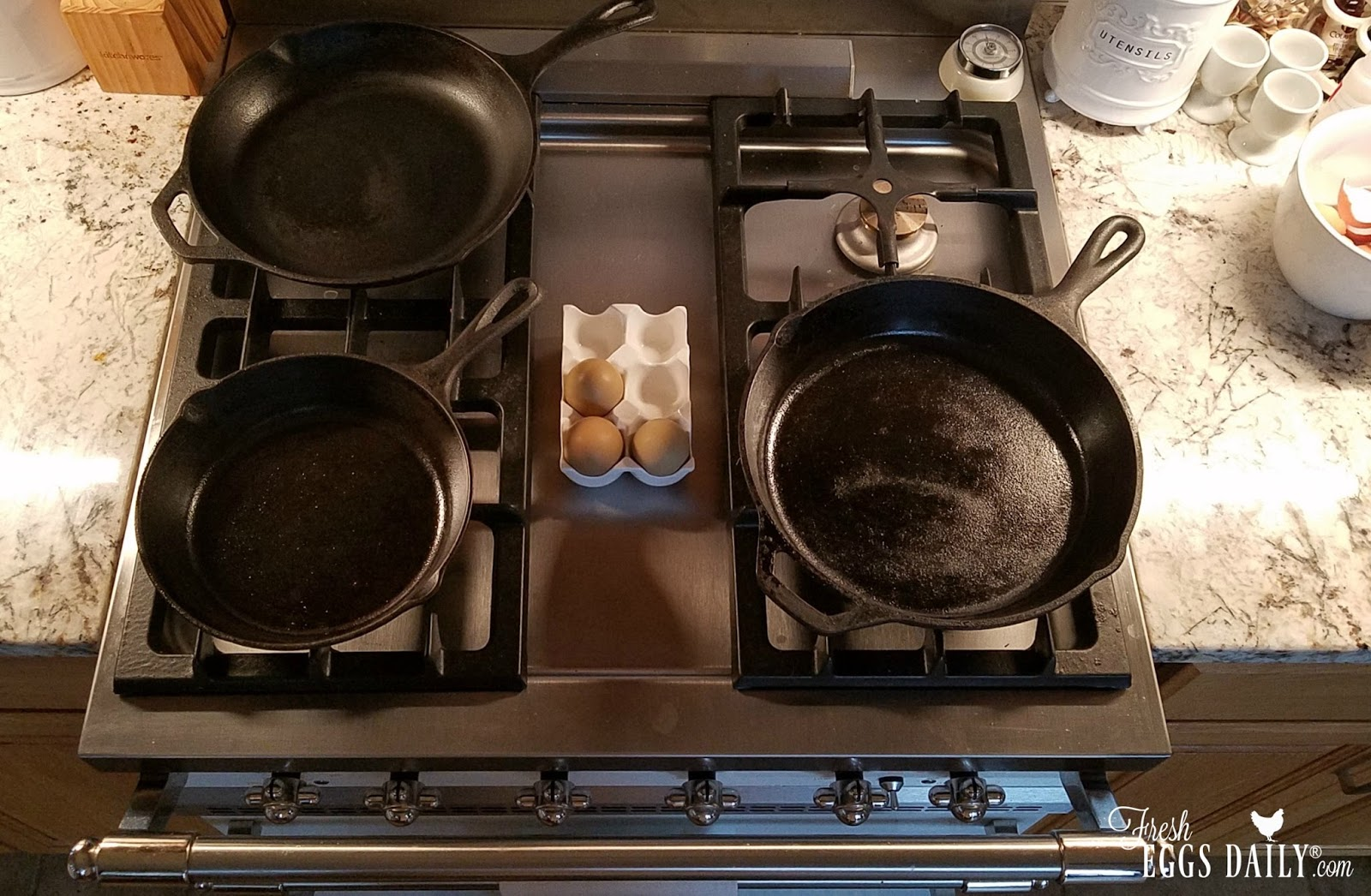 how to cook eggs in a cast iron skillet