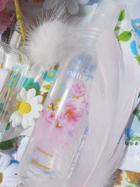 Avon Naturals Blushing Cherry Blossom telový sprej recenzia